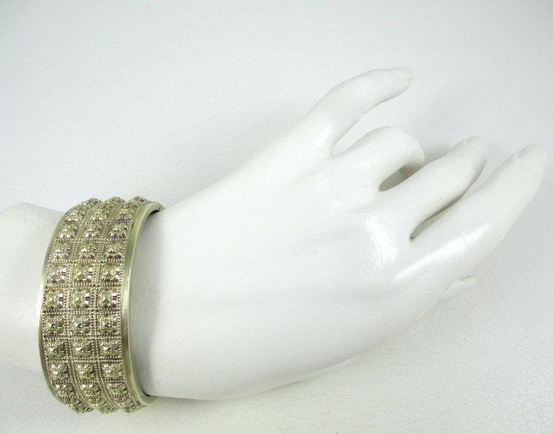 Gorgeous English Sterling Victorian Bangle Bracelet