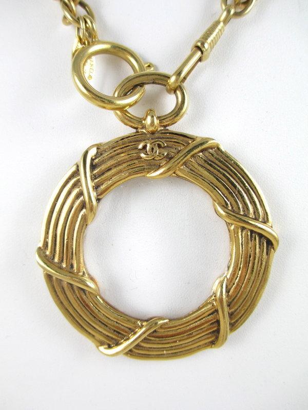 Classic Chanel Chain Monocle Pendant Necklace