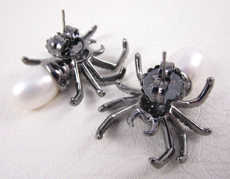 Gothic Chic Jarin Kasi Sterling Silver CZ Pearl Spider Earrings