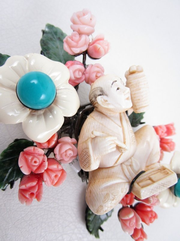 Gorgeous One Of A Kind Lawrence Vrba Ivory Jade Netsuke Pin