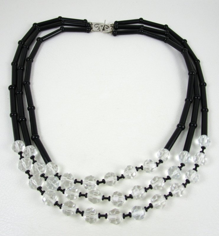 Elegant Pierre Cardin Black Glass Faceted Crystal Necklace