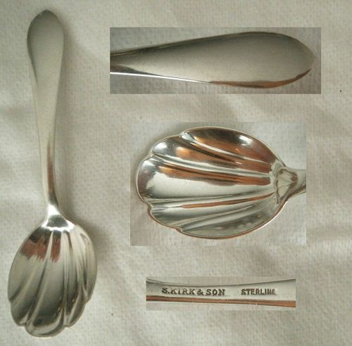 "Kirk ""Wadefield"" Sterling Silver Shell Bowl Tea Caddy Spoon"