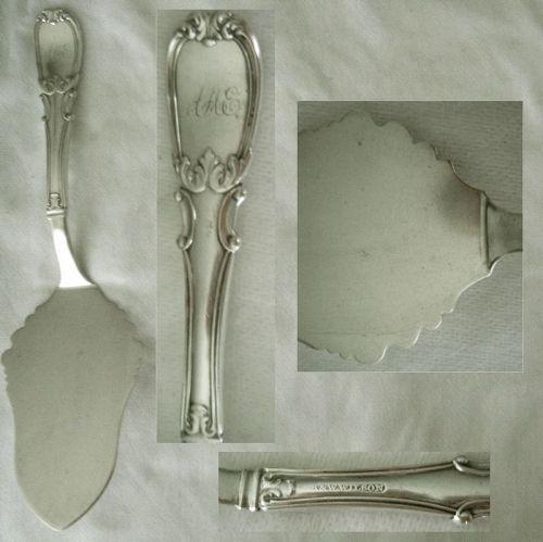 """R. & W. Wilson """"Leaf & Scroll"""" Heavy Coin Silver Pie Server"""