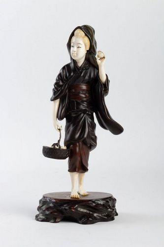 Bronze and Ivory Figure of a Shell Gatherer by Hidemitsu