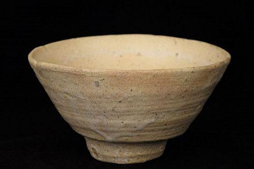 Hagi Ware Ido Teabowl Chawan made in Meiji Period (1868-1912)