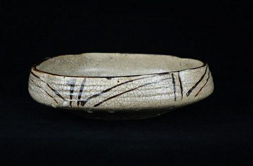 Antique Japanese Seto ware Kashiki Bowl made during Mid-Edo Period