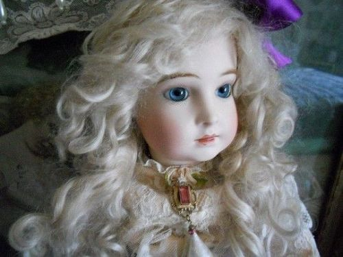 ** SOLD ** Artist French Halopeau Doll in Antique Tulle Lace Dress