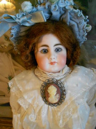 *** SOLD *** Early Simon and Halbig 950 Doll