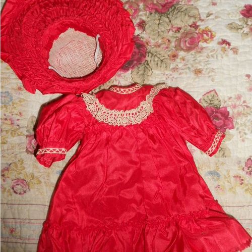 *** SOLD *** Antique Style Doll Dress with Wide Brim Bonnet