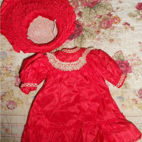 *** SOLD *** Antique Style Doll Dress with Wide Brim Bonnet
