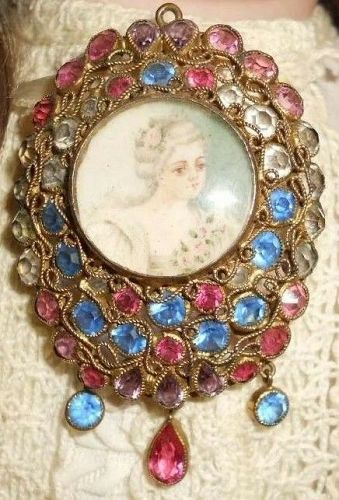 Hobe Miniature Portrait Crystal Pin, c.1940s