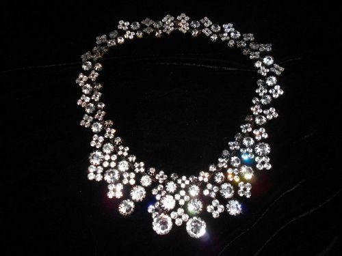 Countess Cissy Zoltowska CIS Amazing Crystal Necklace w/ earrings