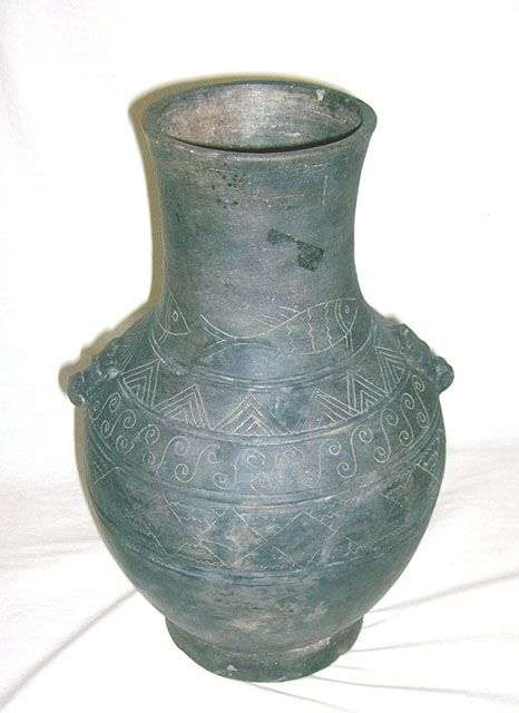 China old pottery vase