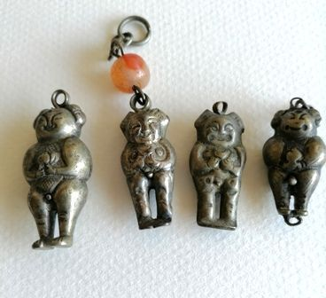China. Ornaments.