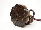 China Antique Wood Toggle Lotus Seeds