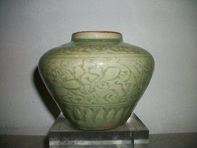 YUAN/MING LONGQUAN CELADON JAR