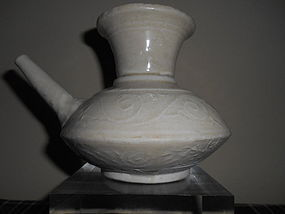 SONG/YUAN WHITE GLAZED EWER