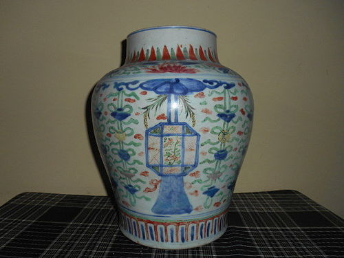 CHINESE WUCAI BALUSTER JAR