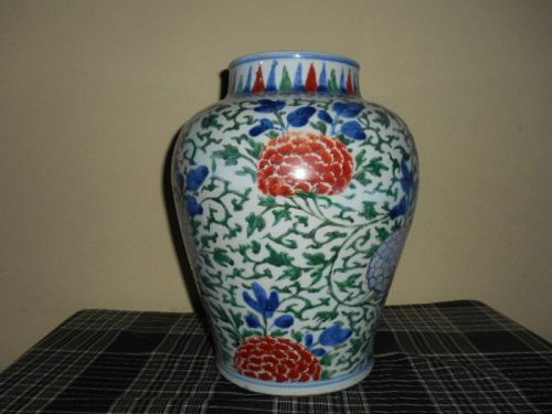 CHINESE WUCAI BALUSTER JAR