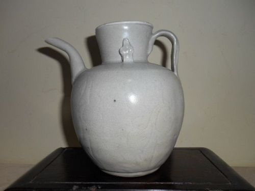SONG WHITE GLAZED EWER
