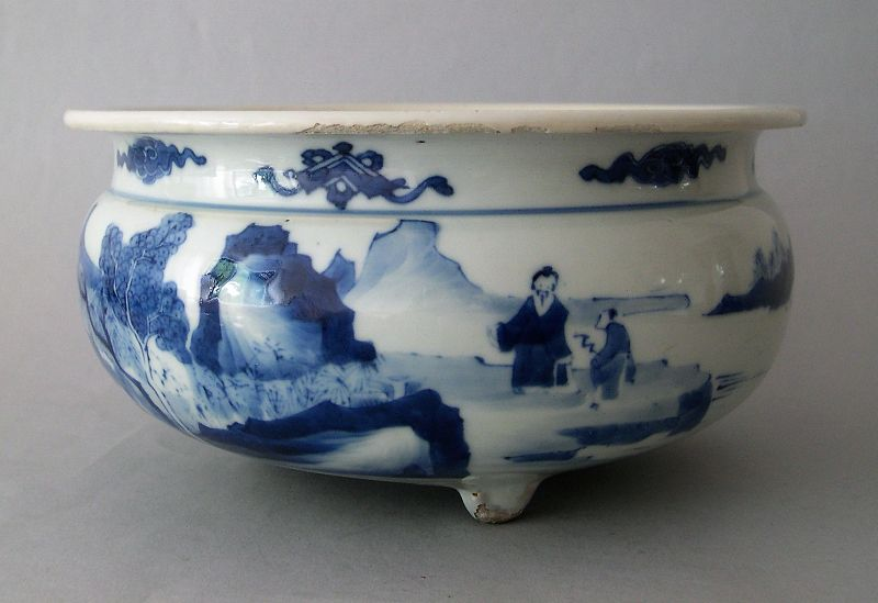 Chinese porcelain censer Kangxi blue and white