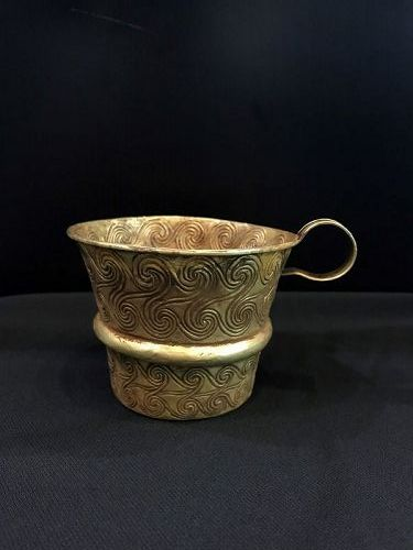 ROMAN GOLD POT