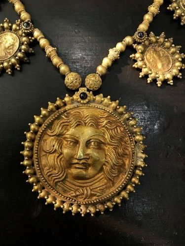 roman gold necklace