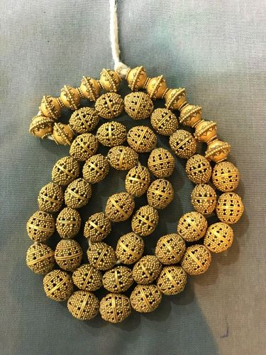 ancient roman gold beads