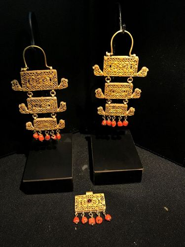 A beautiful ancient Set of Gold Earings
