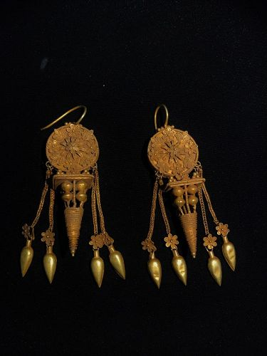 gandhara gold earing