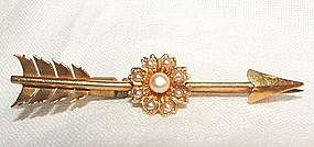 14K Yellow Gold Victorian Arrow Bar Pin with Pearls