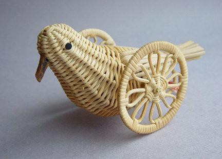 Akebi Hato Guruma; Vine Pigeon on Wheels; Nagano, Japan