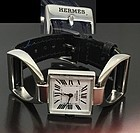 Ladies HERMES PARIS Equestrian CASE DESIGN 22mm diameter 1975