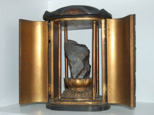 Zushi, four door shrine with scholar�s rock, Japan Edo period