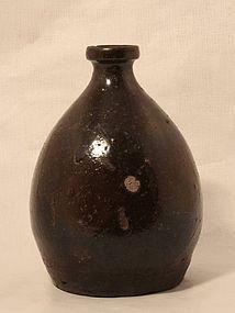 Japanese Edo 17-18thc  Bizen glazed Saki jar v8