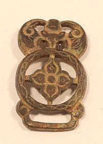 Sung - Ming Dynasty bronze belt buckle with engraved bat