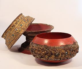 Burmese Shan 3 piece gold Lacquer Temple offering bowl on stand