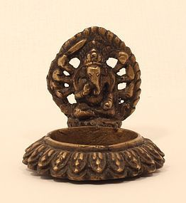 Vintage bronze Hindu Ganesha oil lamp