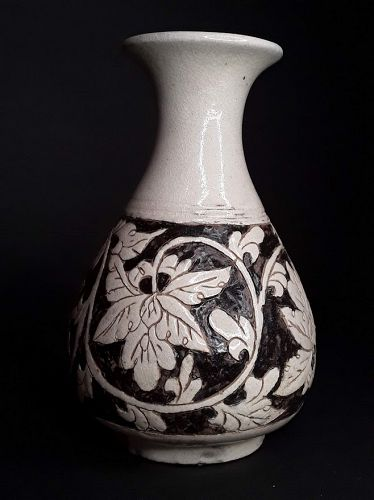 Chinese Cizhou Glaze and carved floral pottery Vase