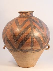 Neolithic Chinese pottery, Majiayao culture Urn with Zig Zag Pattern