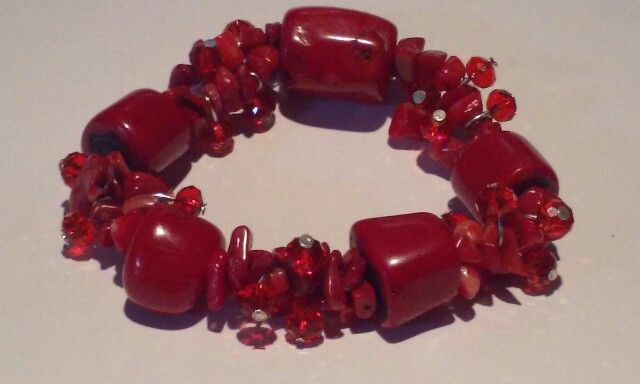 Natural Red Coral and Glass bead Stretch Bracelet