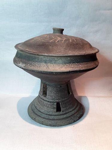 Korean Silla Dynasty Lidded Pedestal Vessel
