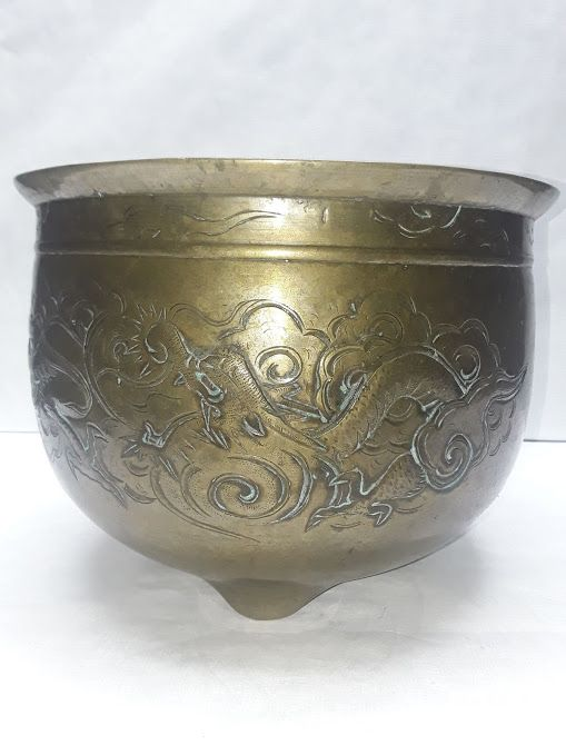 Large Qing Dynasty Bronze Temple censor with Dragons