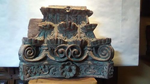17-18 th c Contiental hard wood collumn Capital fragment