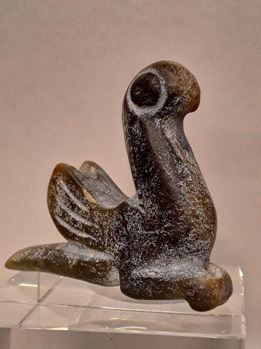 Hongshan Nephrite Jade Toggle Pendant of a free standing bird