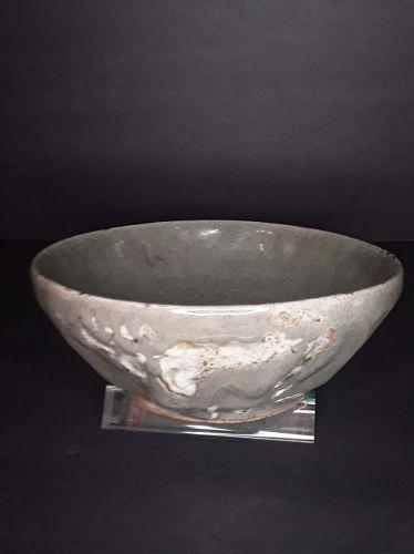 Korean Octagonal celadon bowl with white splash
