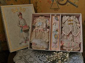 ~~ Rare Marvelous French BeBe Presentation Box ~~