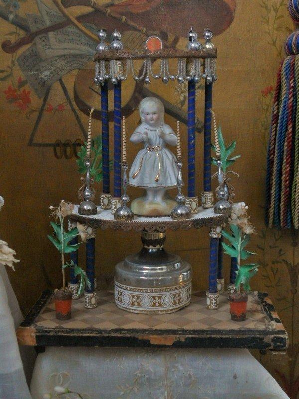Pretty Fashion Doll Display Altars / France 1870/75