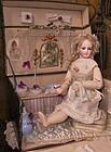 """Superb """" Toilette de Poupee """" Salon in Box"""