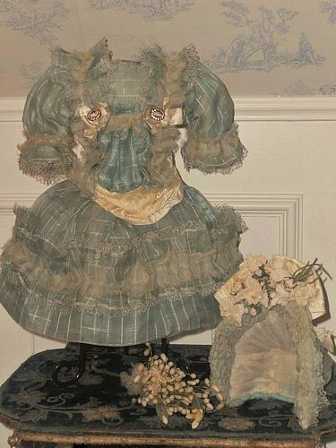 ~~~ Very Beautiful French Bebe Silk Costume with Bonnet ~~~